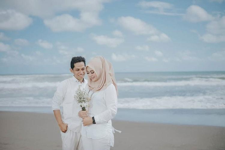 gaya prewedding hijab