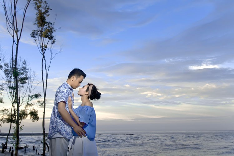 prewedding casual pantai